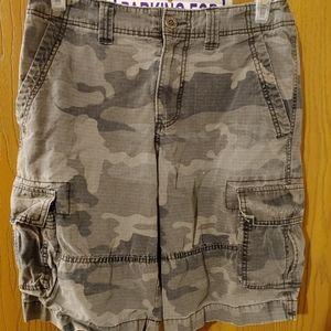 UC camouflage cargo shorts 30